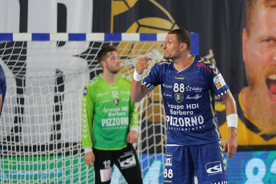 L'arrière gauche du Saint-Raphaël Var Handball, Wissem Hmam.