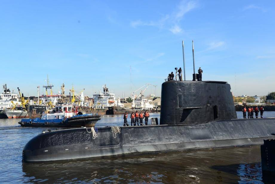 Handout picture taken in 2014 and released by the Argentine Navy on November 18 showing submarine ARA San Juan docked in Buenos Aires.Argentina's navy is hunting for one of its submarines which has been reported missing in the South Atlantic with a crew of 44 on board. / AFP PHOTO / ARGENTINE NAVY / Handout / RESTRICTED TO EDITORIAL USE - MANDATORY CREDIT