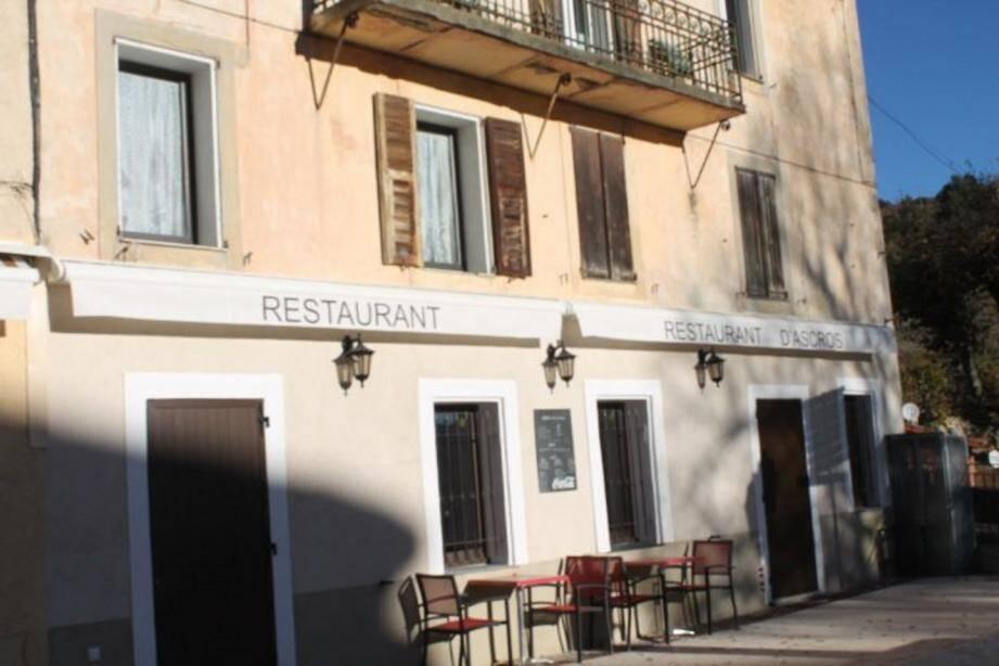 Le bar-restaurant d'Ascros recherche, si possible, un couple ayant l'expérience de la restauration en moyenne montagne.