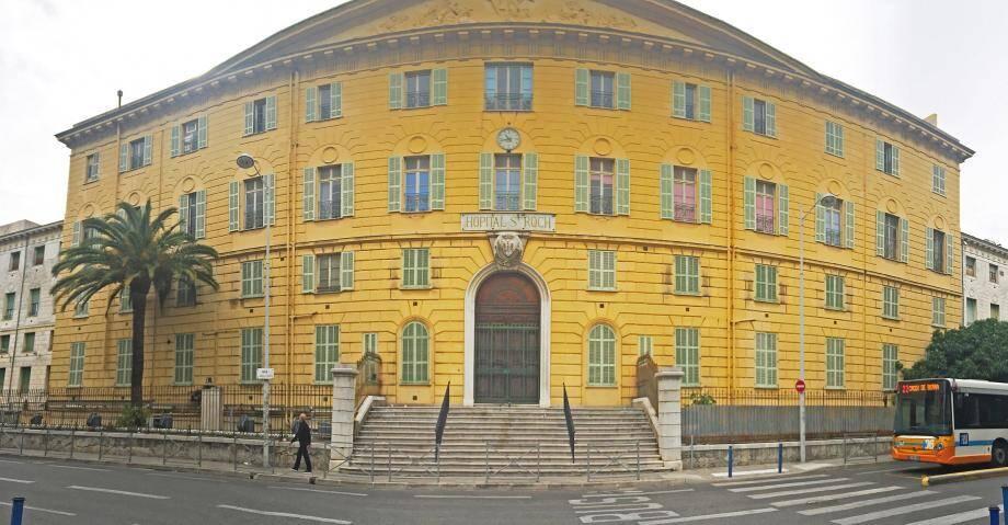 Le bâtiment Saint-Roch n'est pas un site classé par l'État, ni même inscrit au titre des Monuments historiques. Cependant, la municipalité a affirmé vouloir conserver sa façade.