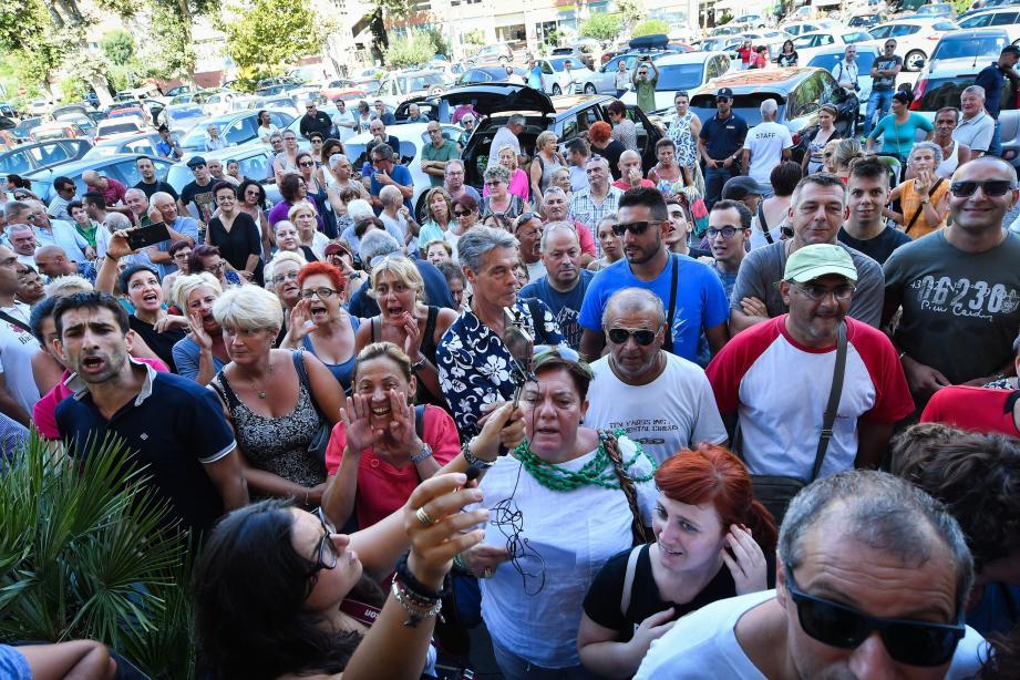 Une manifestation s'était déjà déroulée en août contre le projet de création d'un nouveau centre d'accueil pour migrants.