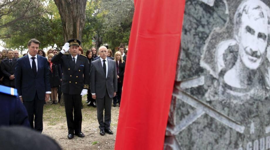 L'hommage aux victimes des attentats de Paris , ce lundi sur la colline du château.