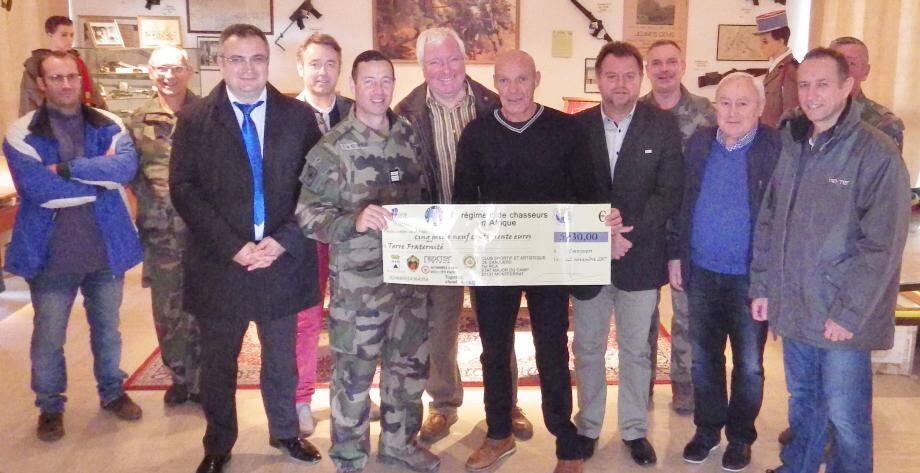 Un chèque de 5.930 euros a été adressé au caporal-chef Le Draoullec, blessé de guerre et champion olympique handisport.