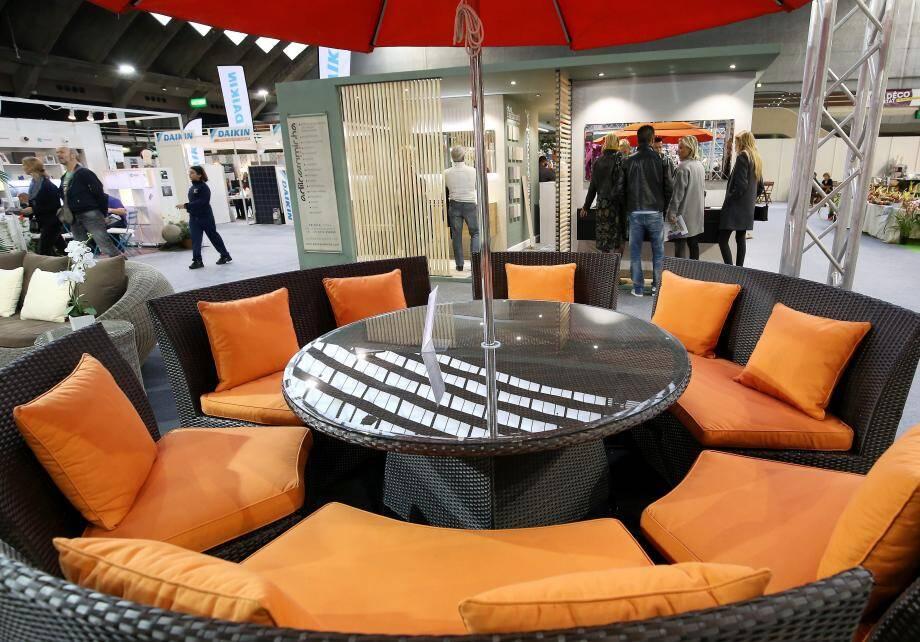 Le Salon déco habitat a investi le palais des Expositions de Nice jusqu'à dimanche prochain. Sur 9.000 m2, plus d'une centaine de professionnels pour réaménager, rénover, décorer… et même construire!