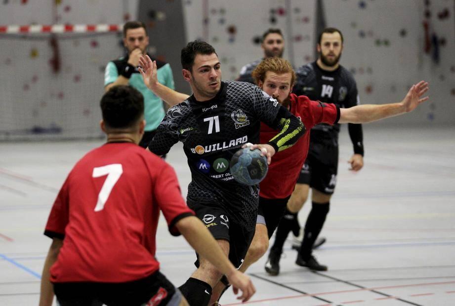 Les handballeurs dracénois auront à cœur de mener la vie dure à leurs homologues de Villeneuve-Loubet samedi à Vence.