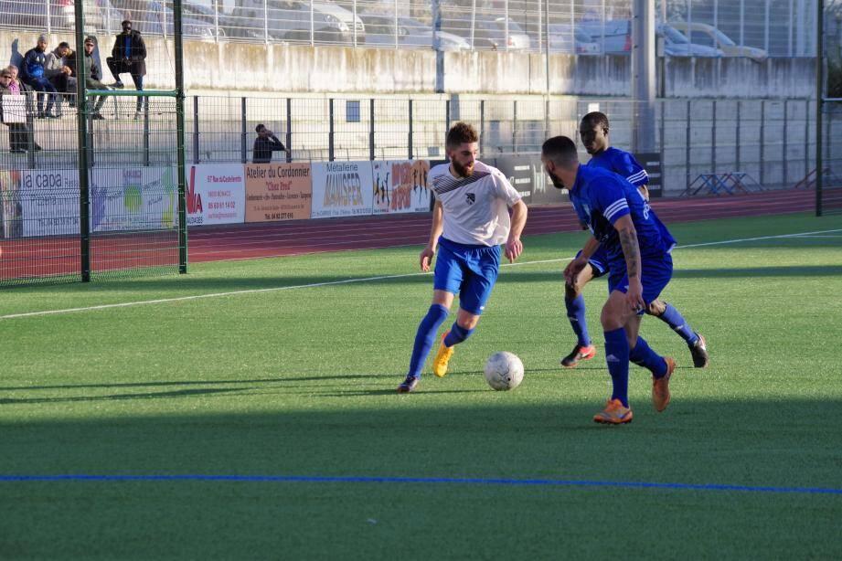 Premier succès de la saison pour Corbucci et les Laurentins qui ont fait passer un très mauvais moment à la défense du FCA.