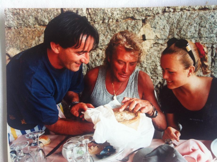 Le casgiu merzu, littéralement « fromage pourri » du restaurateur de Pila Canale avait fait son effet sur Johnny et Laeticia.