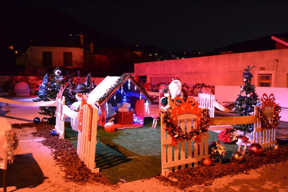 La forêt des Gerles et toutes ses animations (manèges, petit train, structure gonflable...) accueilleront le public samedi 16 décembre de 10 h à 17 h sur le boulevard François-Suarez.