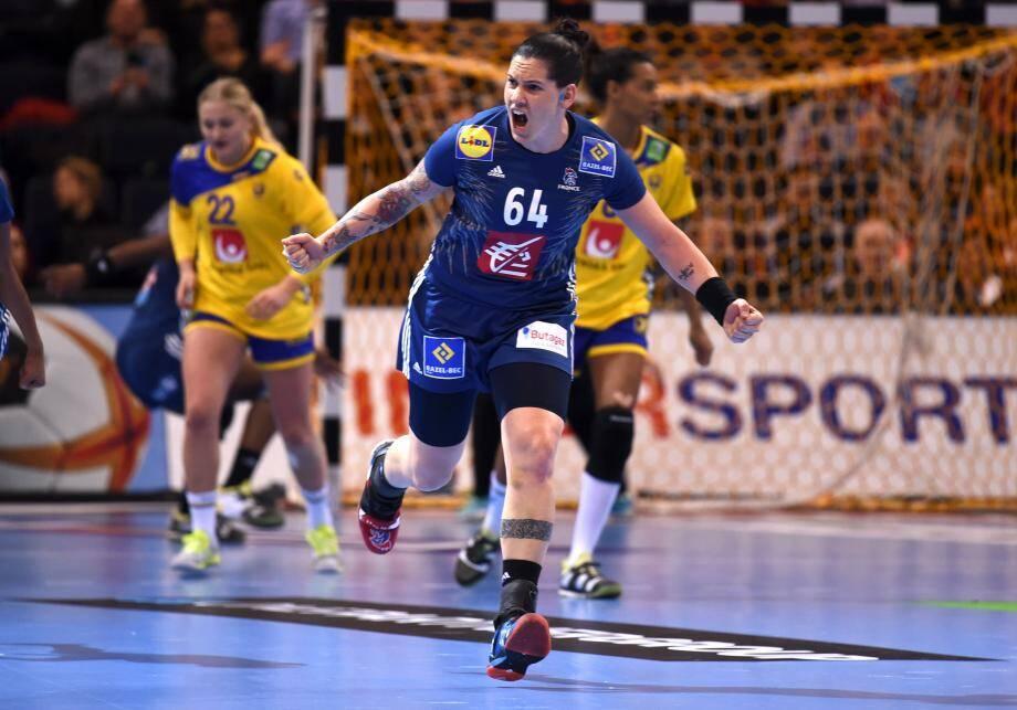 Lacrabère et les Bleues ont désormais rendez-vous en finale avec les championnes du monde en titre.