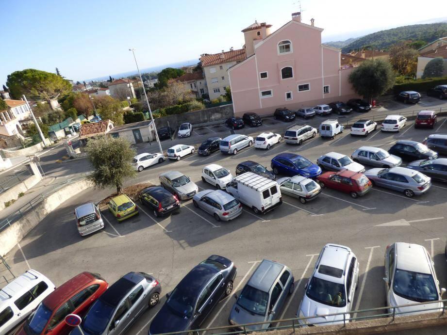 Image d'illustration dus stationnement à Vence.