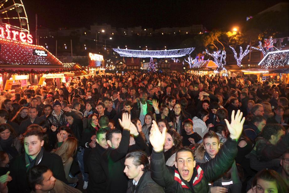 Cette année, la mairie organise des éléments festifs pour le soir de la Saint-Sylvestre. Au-delà du marché de Noël, la nuit de la Saint-Sylvestre il y aura un feu d'artifice et une fête sur l'esplanade du quai Albert-Ier.