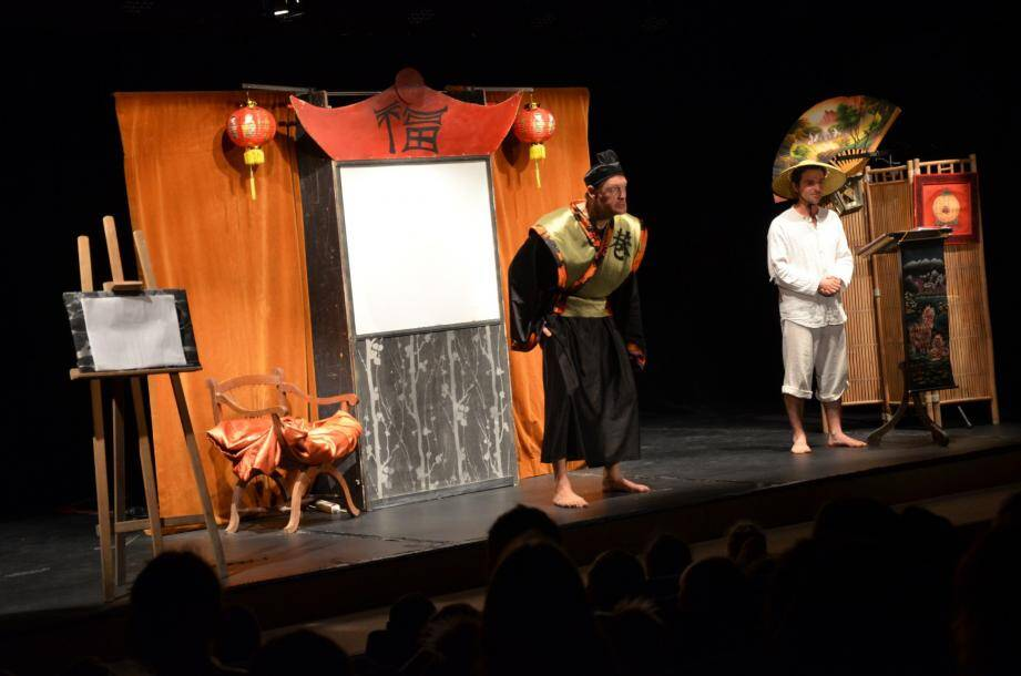 « Le Roi et le secret », un beau spectacle qui a beaucoup fait rire et participer les élèves.