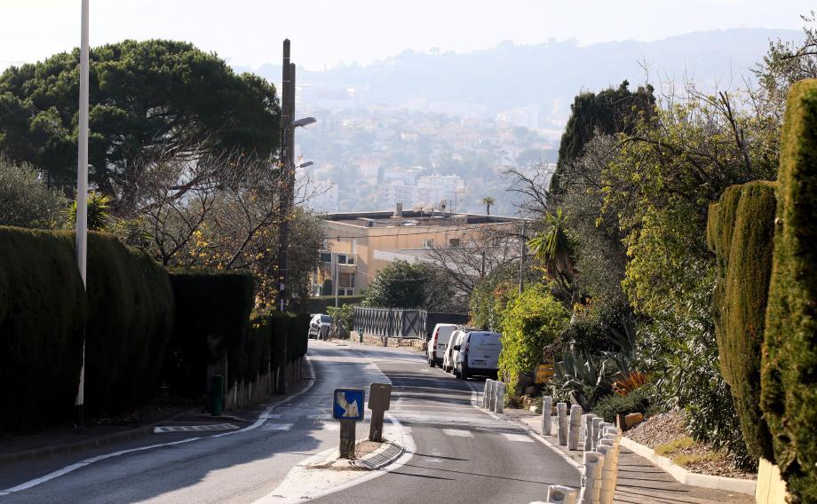 C'est dans le quartier des Bréguières au Cannet surplombant la baie de Cannes que ce cambriolage particulièrement violent a eu lieu jeudi.