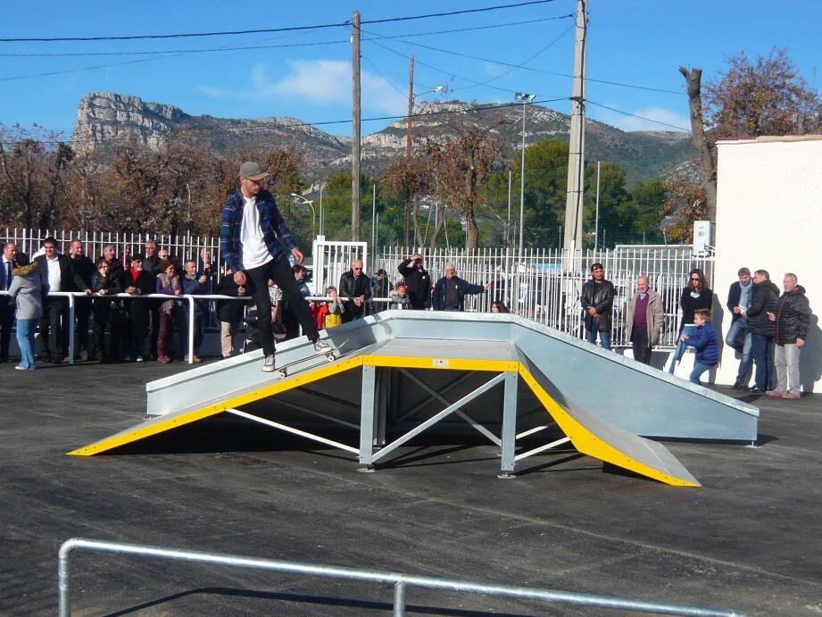 La structure offre 400 m2 de glisse à tous les fans de la discipline !
