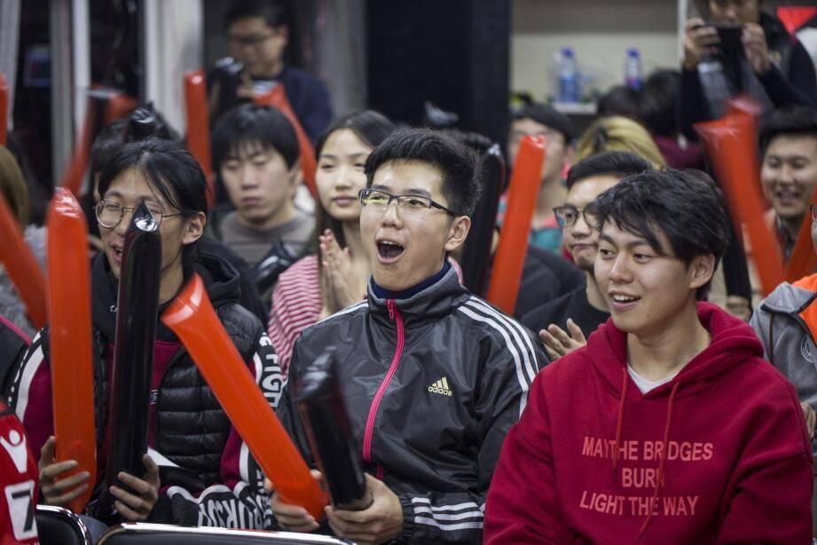 En Chine, comme ici lors des matchs des Aiglons retransmis dans les hôtels du groupe 7 Days Inn, l'OGC Nice fait un véritable travail d'internationalisation de sa marque.