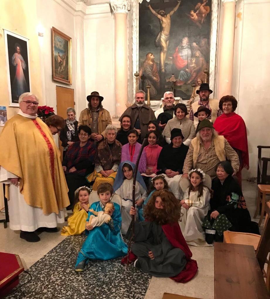 Comme toujours, les enfants et la population ont participé à la veillée de Noël. (D.R)