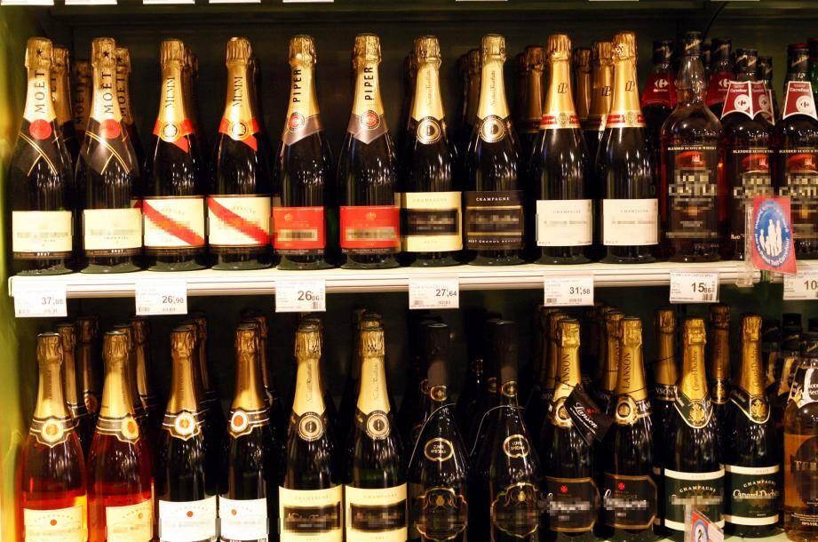 Un couple niçois a été condamné à trois mois de prison ferme pour le vol de champagne et de caviar, le 30 décembre 2016 à l'Intermarché des Moneghetti à Monaco.