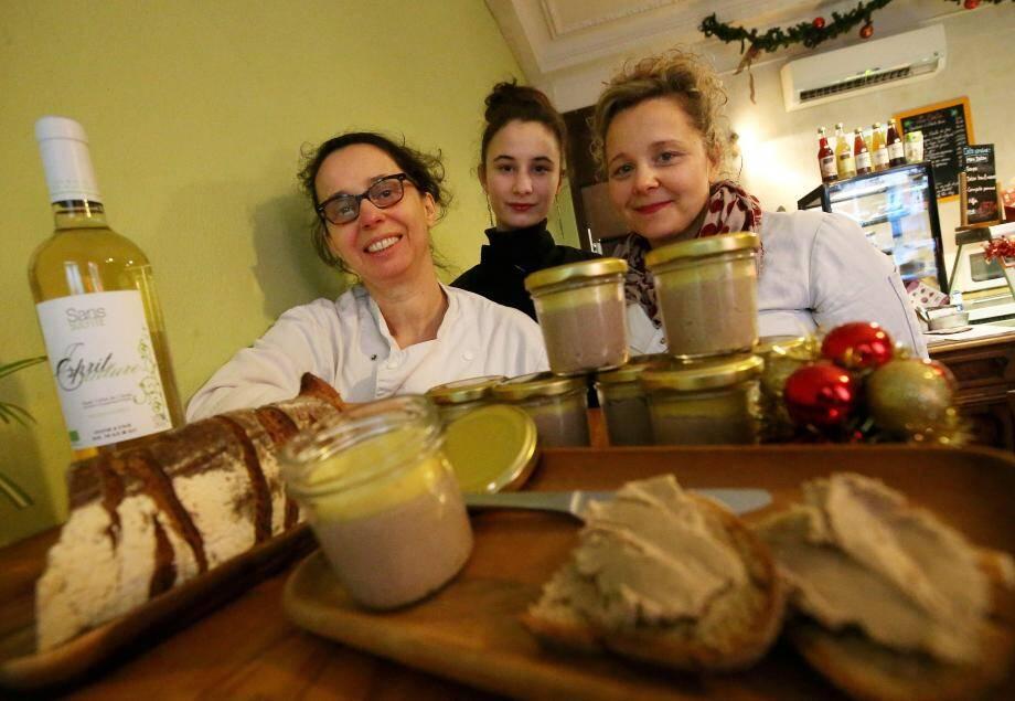 La recette du Comptoir Bio, rue Miron : Beurre de cacao cru, purée de châtaigne, épices… et autres ingrédients secrets.