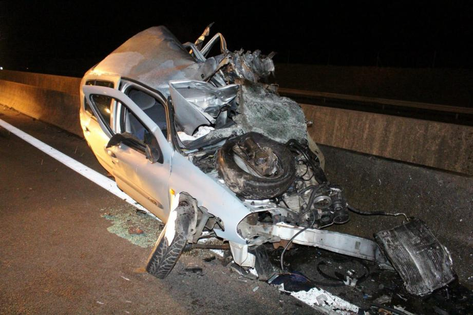 La voiture du chauffard après le terrible choc.