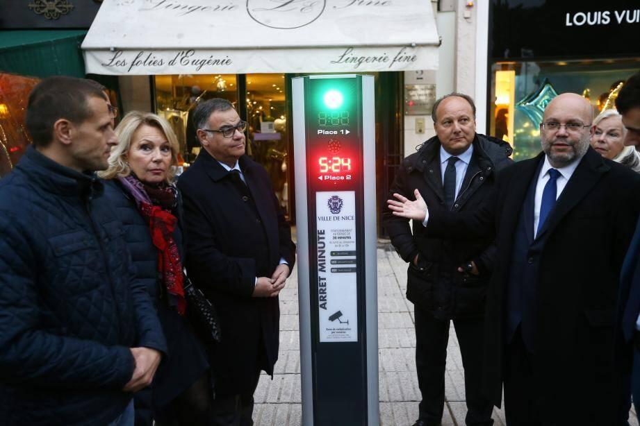 Au 4 de l'avenue de Suède, une nouvelle borne surveille les véhicules de livraison. Elle a été présentée mercredi.