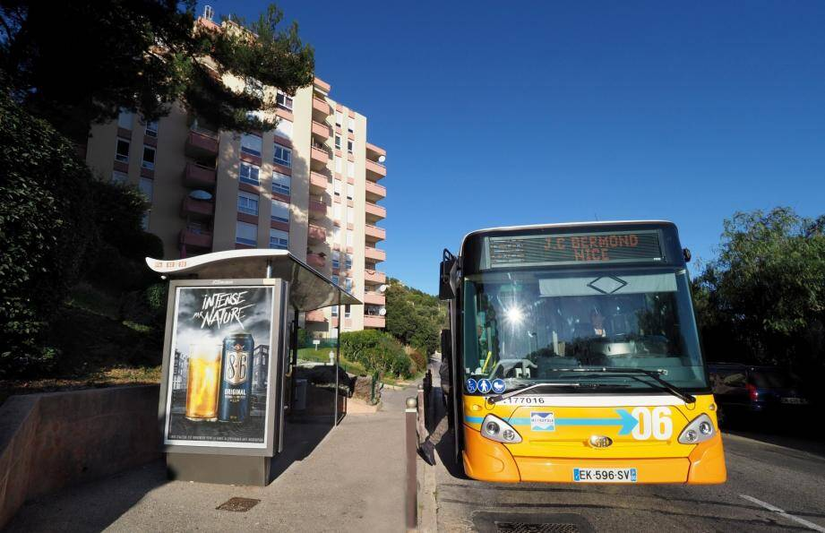 Dans le sens Nice/Saint-Laurent-du-Var comme dans l'autre, les retards provoquent la colère des passagers.