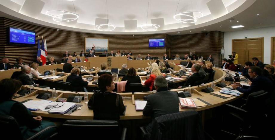 Le conseil municipal de Nice réuni en séance publique.