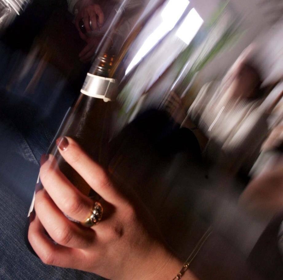 La prévenue avait bu deux coupes de champagne et quatre godets de vodka avant de prendre le volant.