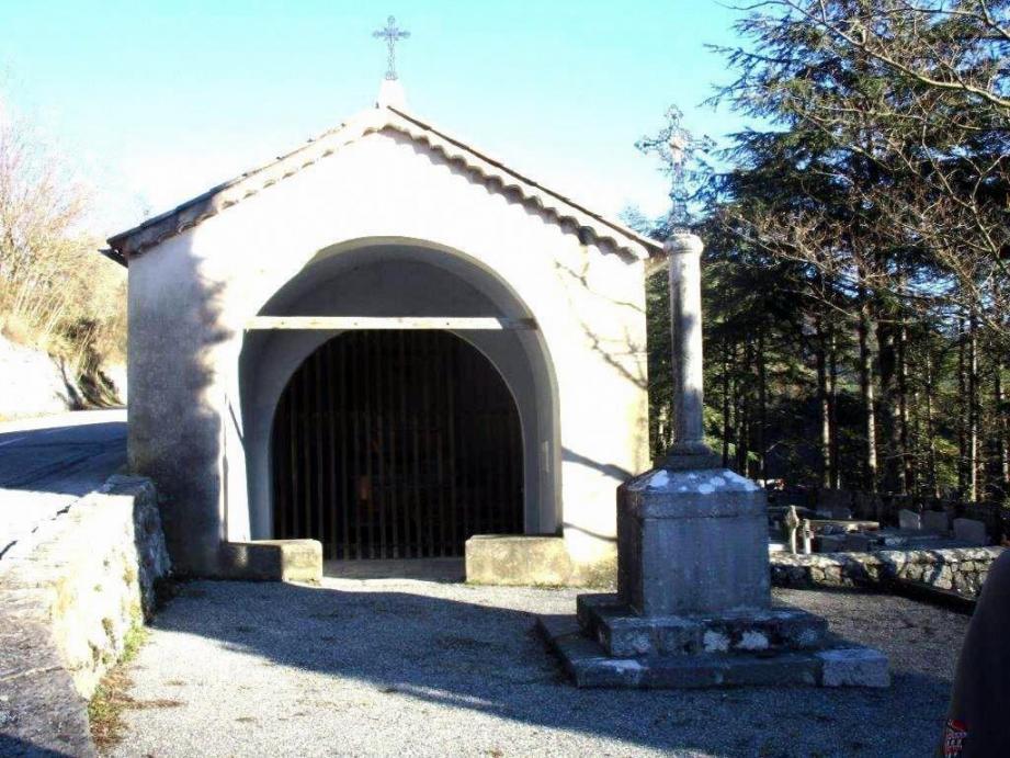 La chapelle de la Traverse, à Roquestéron.