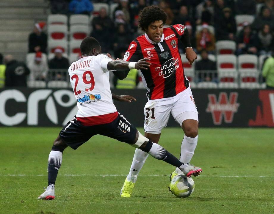 Dante et les Niçois enchaînent une 4e victoire consécutive en Ligue 1.