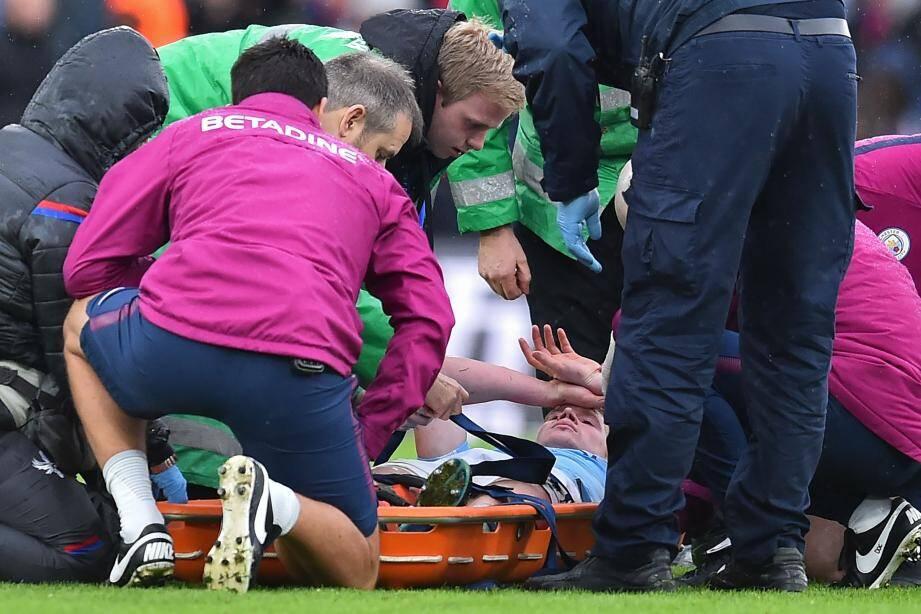 De Bruyne évacué sur civière (90'+3), Gabriel Jesus touché au genou (23') et un penalty concédé dans les dernières minutes (90'+1), les Citizens ont connu un après-midi délicat, hier à Londres.