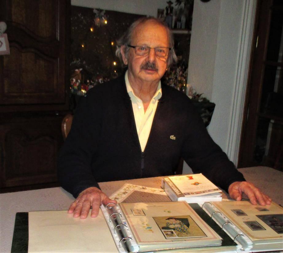Georges Ferretti se consacre à la rédaction de la revue philatélique de l'association APCC de Cannes depuis 27 ans.