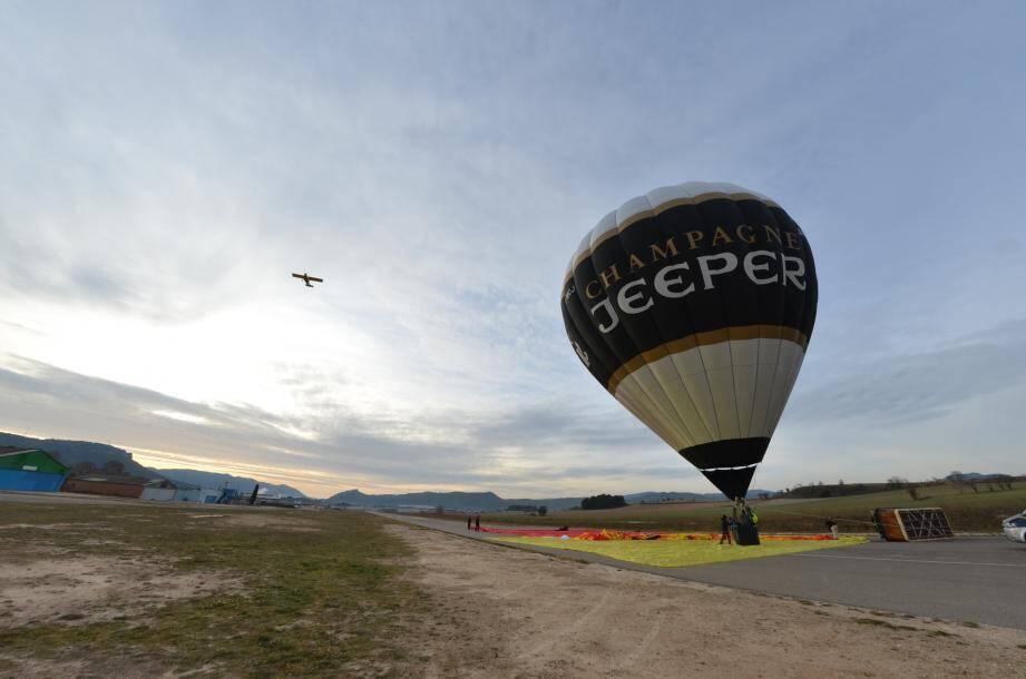 Sans le financement de la marque de champagne Jeeper, cette montgolfière écolo n'aurait jamais vu le jour.
