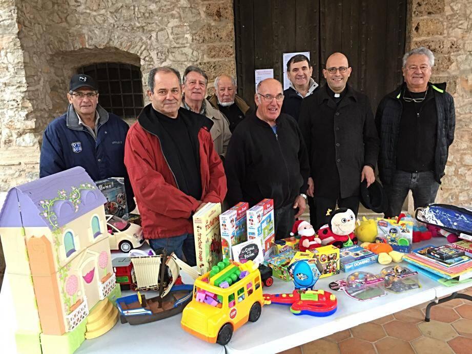 Les amis de la Commune Libre Notre-Dame ont collecté les jouets.