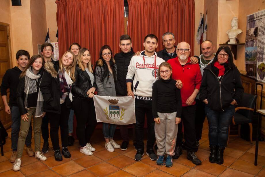 Les membres du comité des fêtes autour du nouveau président, Benoit Laurenti.