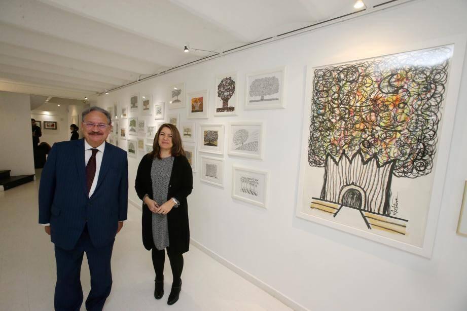 Antonella Fonzi a remporté L'Open des artistes de Monaco 2017 et expose  ses œuvres dans L'Entrepôt, la galerie de Daniel Boeri.