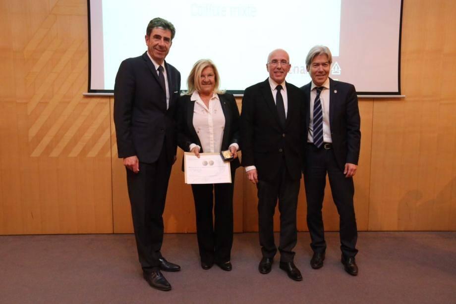 Lors de la remise de la médaille, avec le président du Département Charles-Ange Ginésy, le député Eric Ciotti et le président de la Chambre de métiers Jean-Pierre Galvez .(DR)