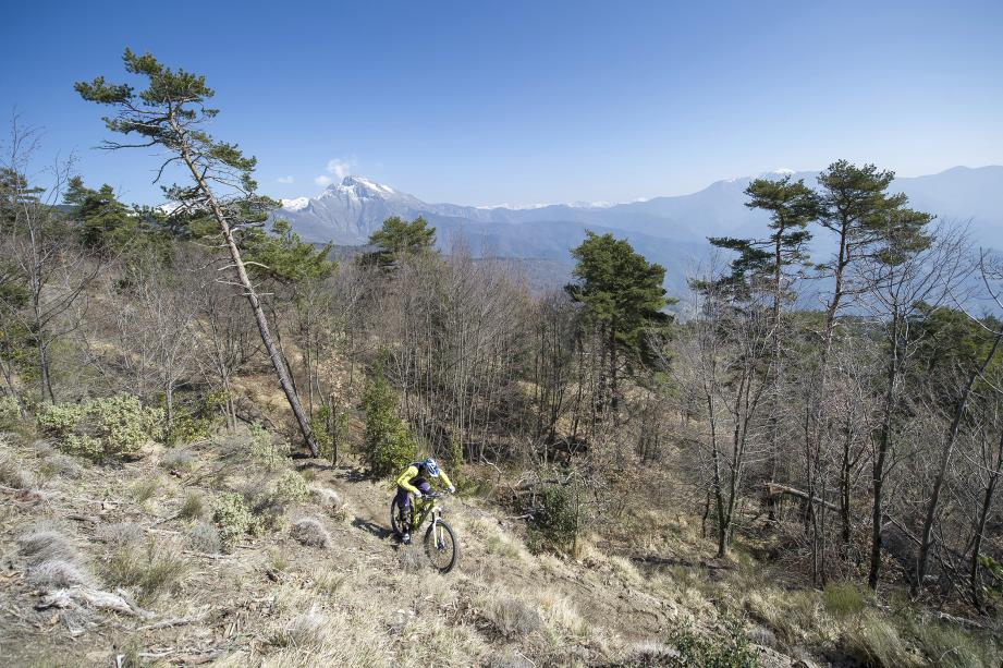 En 2018, les festivités enduro débutent dans les collines italiennes.