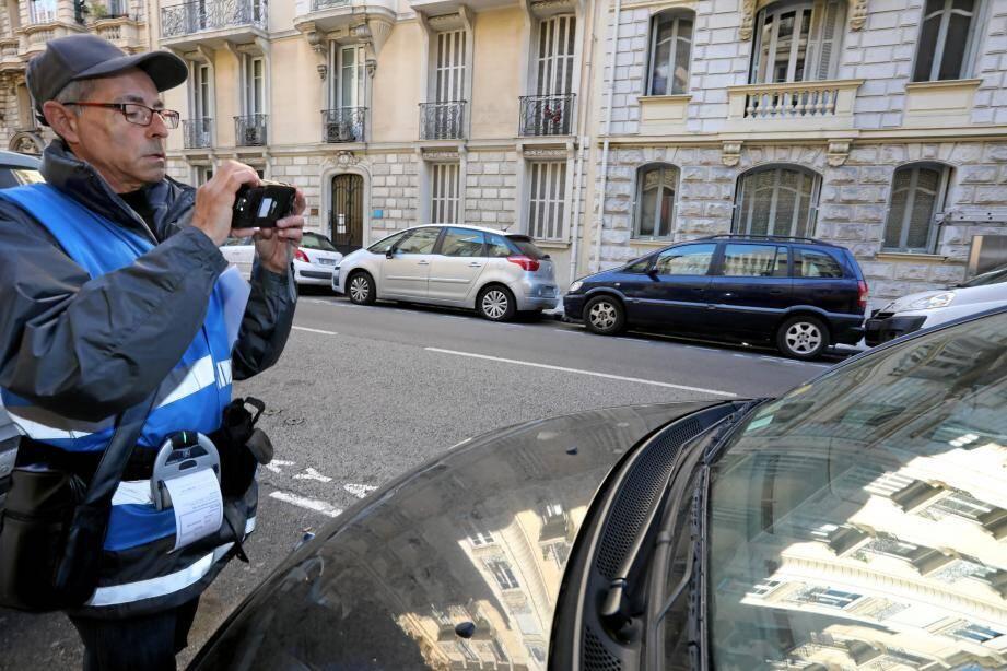 Quinze agents de la société Moovia sillonnent les rues.