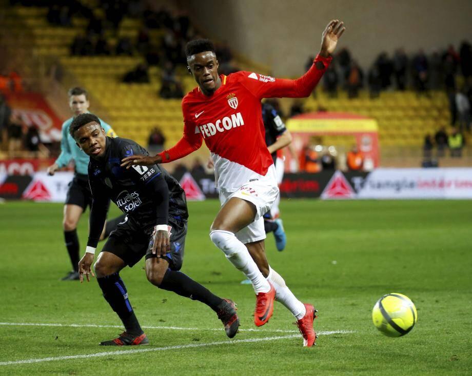 Cette saison, Diakhaby a marqué 3 buts pour 3 passes décisives en 11 titularisations toutes compétitions confondues.(Ph J-F. Ottonello))
