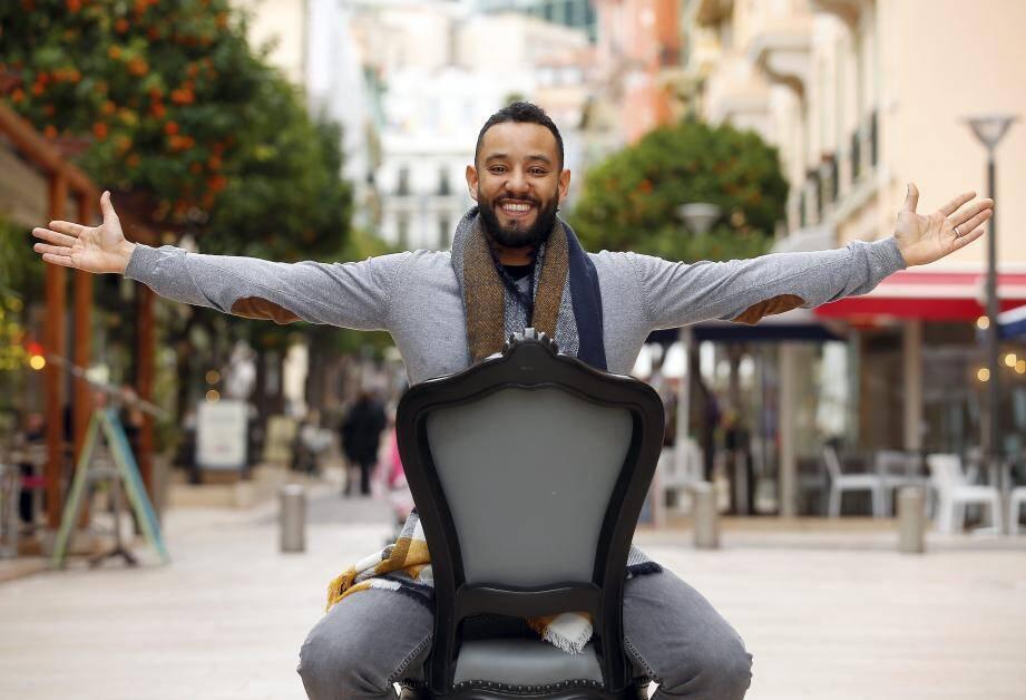 L'humoriste Hassan de Monaco a gagné le droit de partir en tournée en France.