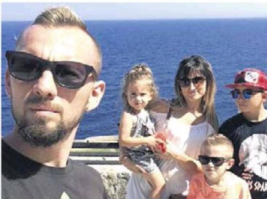 Inséparables dans la vie, les cinq membres de la famille reposeront dans un même lieu.