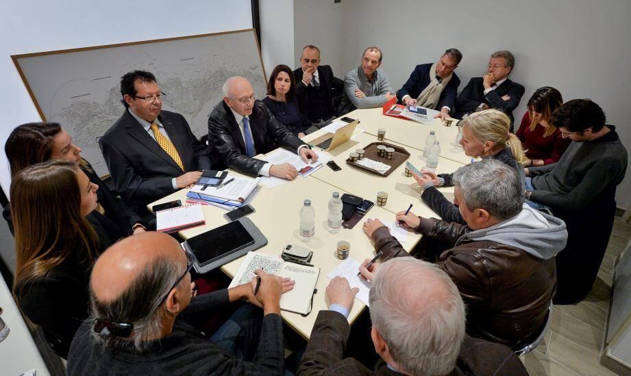 Béatrice Fresko-Rolfo et quelques-uns de ses colistiers, hier, au siège du groupe Horizon Monaco.