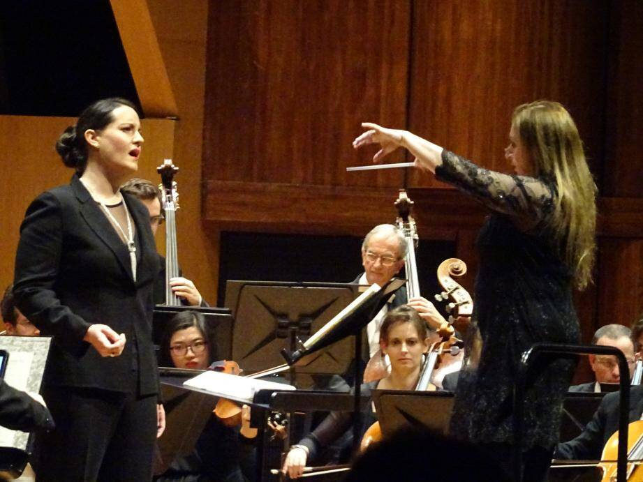 C'est l'Australienne Simone Young qui a dirigé avec brio ce concert.