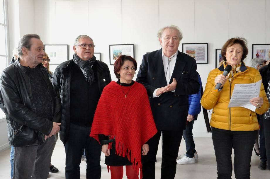 Laurent Guérin, le maire Gilles Vincent, Isabelle Thiriez, Jean-François Bastolet et Françoise Montagne adjointe à la culture.