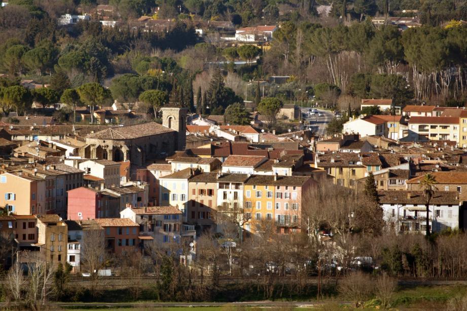 En centre-ville, 800 personnes vivent avec moins de 733 € par mois.
