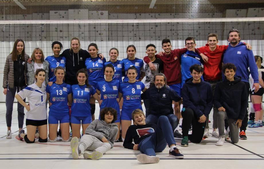 Les cadets et les prénationales féminines ont fêté ensemble leur victoire du week-end.