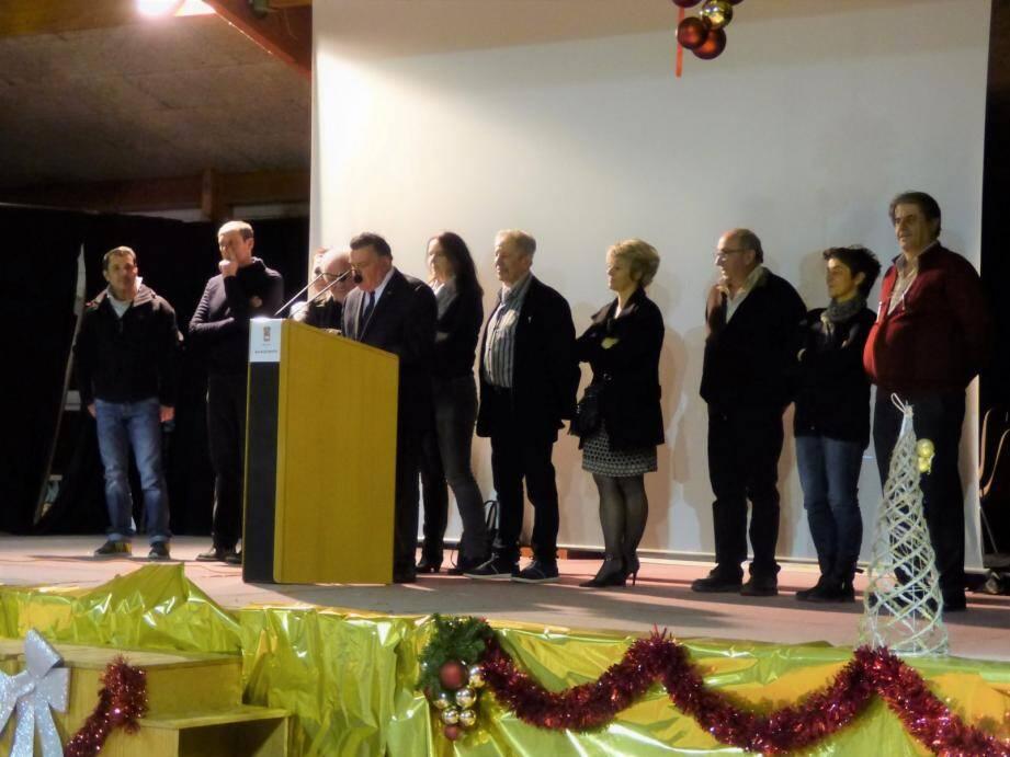 Yves Bacquet et son conseil municipal.