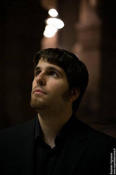 Légende.Benoit Chrétien, un jeune virtuose dimanche à l'orgue de l'église paroissiale.(D. R)