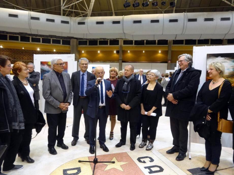 Élus et responsables d'association culturelle ont assisté au vernissage de l'exposition qui sera ouverte jusqu'à jeudi à la maison communale Gérard-Philipe.