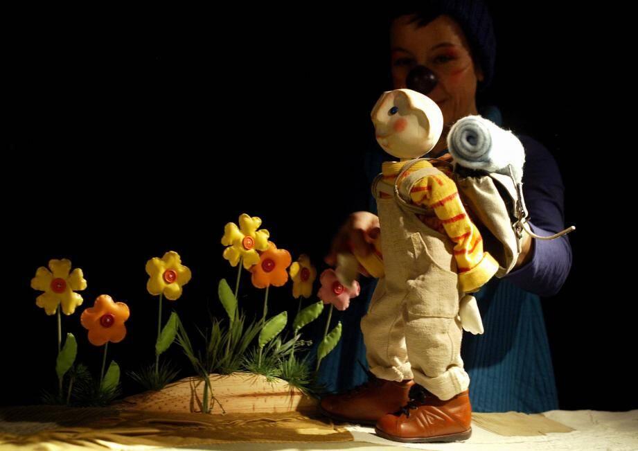 Les aventures merveilleuses de P'tit Jojo la marionnette vont enchanter les enfants.